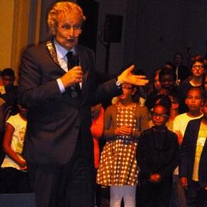 Kunstklas leerlingen zongen 10 oktober voor de burgemeester